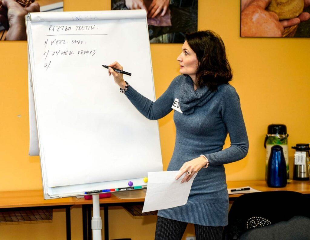 Rizika odměn a trestů - Mgr. Eva Mikešová